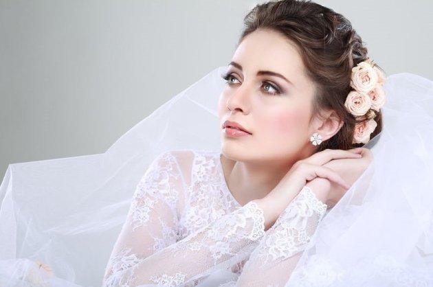 WEDDING HAIR, BEST HAIRDRESSERS IN COUNTY TIPPERARY AT LLOYDS HAIR SALON, CLONMEL