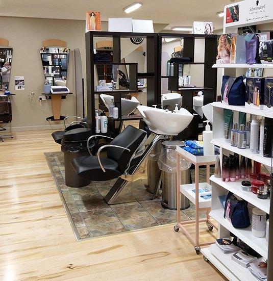 Lloyds-Hair-Salon-In-Clonmel-5