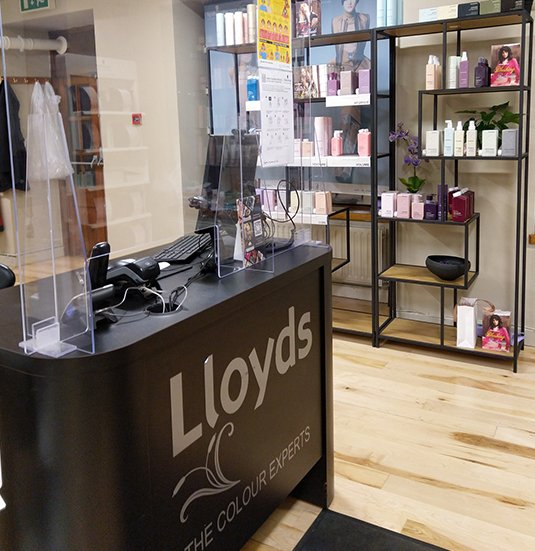 Lloyds-Hair-Salon-In-Clonmel-6