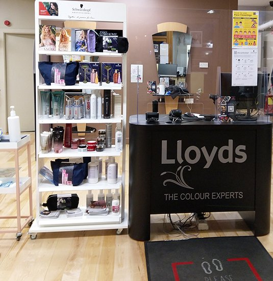 Lloyds-Hair-Salon-In-Clonmel-8